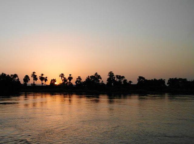 Краткое содержание Кристи Смерть на Ниле за 2 минуты пересказ сюжета